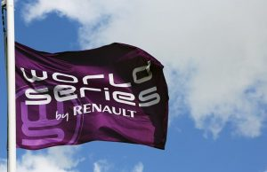 MOTORSPORT - WORLD SERIES BY RENAULT 2013 - HUNGARORING - BUDAPEST (HON) - 15/09/2013 - PHOTO JULIE SUEUR / DPPI - AMBIANCE FLAG